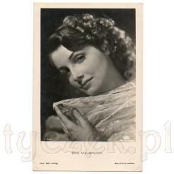 Pamiątkowa fotografia piosenkarki i aktorki- Elfie Mayerhofer zdobi pocztówkę