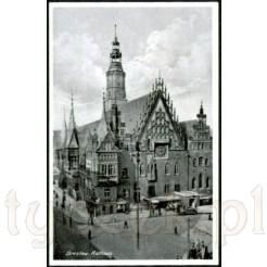 Awers czarno- białej widokówki z Ratuszem we Wroclawiu