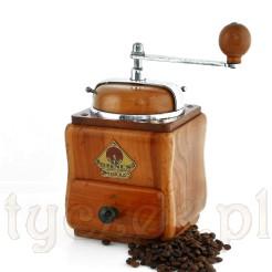 Młynek kawowy o finezyjnej formie z drewna