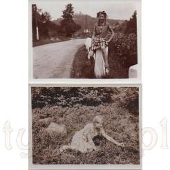Dziewczyna uczesana w dwa warkoczyki na pamiątkowych zdjęciach