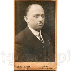Portret mężczyzny wykonany w atelier T.Mroczkowskiego w Tarnowie