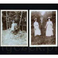 Przyjaciele wśród leśnej przyrody na dwóch pamiątkowych fotografiach