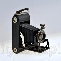 Kolekcjonerski unikat: zabytkowy aparat fotograficzny marki ADOX
