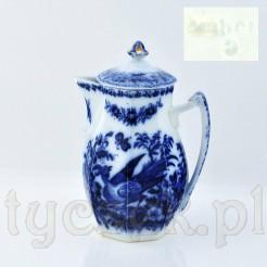Markowy dzbanek z XIX wieku w typie blue-white pottery