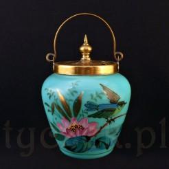 Herbatnica dekorowana motywem lilii wodnej