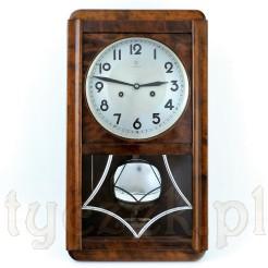 Ponadczasowy zegar do powieszenia na ścianie w mieszkaniu