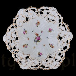 Zabytkowa patera marki Carl Tielsch wykonana z grubej porcelany.