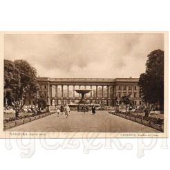 Dawna kartka pocztowa przedstawiająca Ogród Saski w Warszawie z widokiem na fontannę i pałac