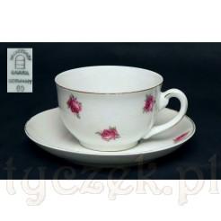 bawarska filiżanka z białej porcelany w róże