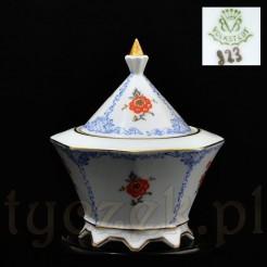 wiekowa porcelanowa bomboniera marki z Volkstedt