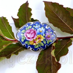 Przepiękna broszka ze szlachetnej porcelany z Bawarii