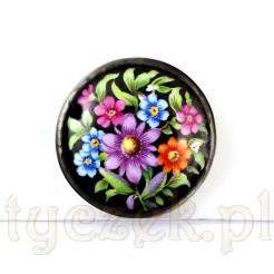 Porcelanowa broszka w kwiaty