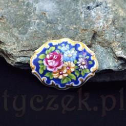 Zabytkowa broszka wykonana z markowej porcelany