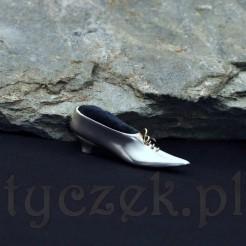 Srebrny bucik na igły tzw Nadelkissen