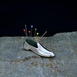 Męski miniaturowy but na igły Nadelkissen