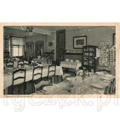 Sporych rozmiarów sala jadalniana w której były serwowane posiłki dla wczasowiczów i kuracjuszy ośrodka