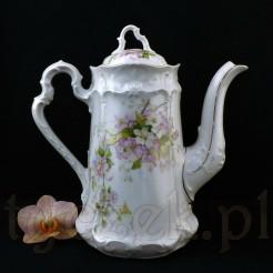 Piękny neorokokowy dzbanek do kawy ze śląskiej porcelany