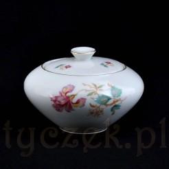 Irys na białej porcelanie marki KPM - stylowa ckiernica
