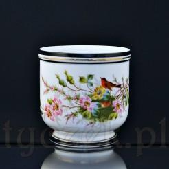Efektowna i okazała donica zachwyci każdego konesera stylowej porcelany