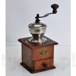 Elegancja i klasyka mielenia kawy w prawdziwym antycznym młynku