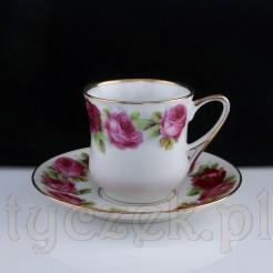 Porcelanowa filiżanka marki CT w róże