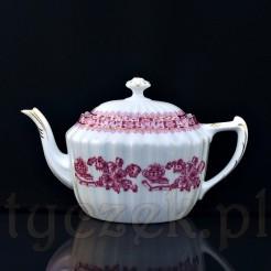 Dzbanek herbaciany dekorowany orientalnym motywem