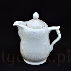 Porcelanowy dzbanuszek do herbaty