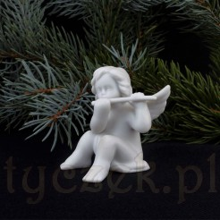 Figurka aniołka wykonana z porcelany
