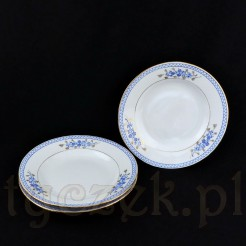 Komplet trzech talerzy głębokich ze śnieżnobiałej porcelany