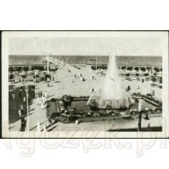 Widok kartki przedstawiającej molo w Sopocie