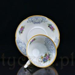 Uroczy komplet filiżanki wraz z talerzykiem idealnie posłużyć może do kawy lub herbaty