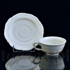 Kremowy kolor porcelany oraz tłoczony ornament