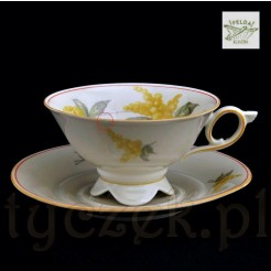 znakomita porcelanowa filiżanka ecru z żółtą mimozą
