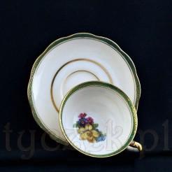 Bukiet kwiatów w porcelanowej filiżance do mokki ze spodkiem – KPM – model Prinzess