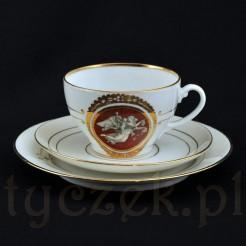 Ekskluzywny zestaw śniadaniowy z markowej porcelany z niecodziennym ornamentem