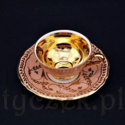 Luksusowa wić ze złota na markowej porcelanie
