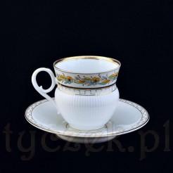 XIX wieczna porcelanowa filiżanka - ręcznie zdobiona, malowana i złocona