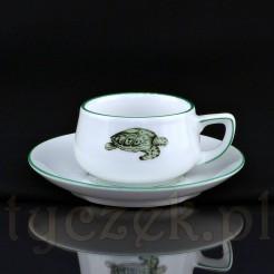 Biała porcelana masywna zdobiona motywem żółwia morskiego