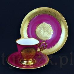 Wytworna porcelanowa śniadaniówka w malinowym kolorze