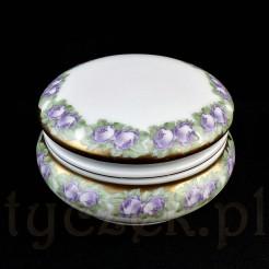 Urocze porcelanowe puzdro w fioletowe róże