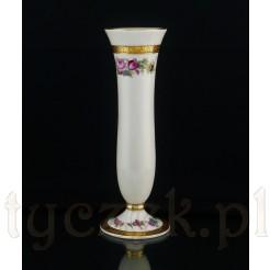 Pełen stylu i elegancji porcelanowy wazon w kremowym odcieniu ecru.