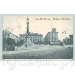 Plac Mariacki we Lwowie w centralnym punkcie pomnik wieszcza Adama Mickiewicza