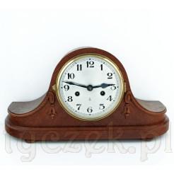 Okazały antyk: zegar na komodę i kominek firmy BECKER