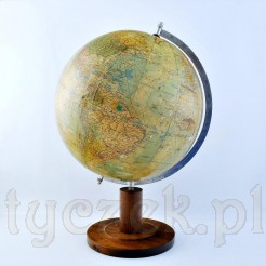stary globus na drewnianej nodze