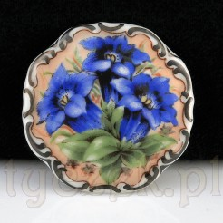 Porcelanowa, kwiatowa brosza marki Carl Schumann.