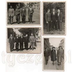 Pamiątkowe zdjęcia mężczyzn i jednej kobiety prezentująca ubiory z dawnych lat