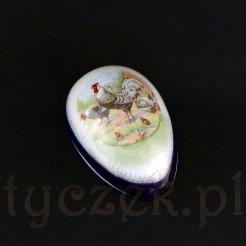 Efektowna bombonierka z białej najpewniej bawarskiej porcelany