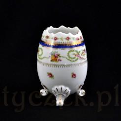 Porcelanowe cudne jajko na trzech nóżkach