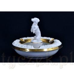 Porcelanowa popielniczka z figurką jamnika