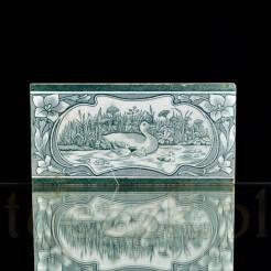 Secesyjne kaczki na jeziorze - stylowy kafel z Miśni